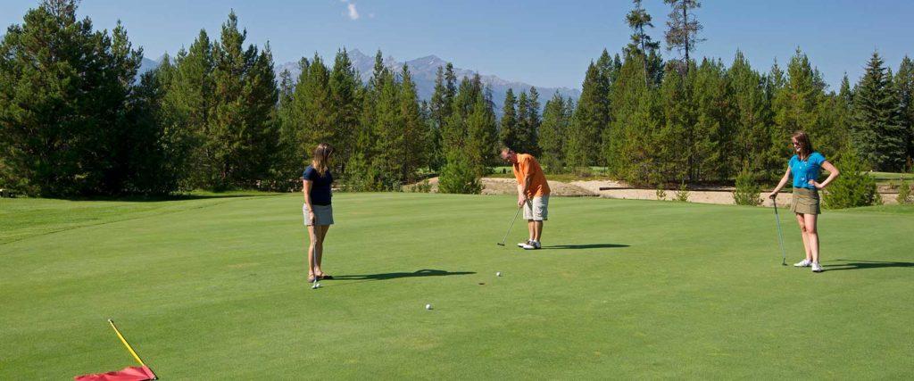 Golfing in Valemount