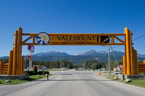 Valemount entrance structure